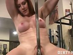 penetrace, tělocvičny, uspokojování žen, píča, prsa, masturbace, perverze