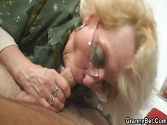 Granny Schluckt