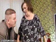isoäiti, tussu, suihinotto, kypsä, siemensyöksy, sormeilu, suudelma, takapuoli, nuoleminen, kova porno