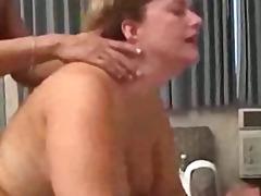 isoäiti, sukat, posliini, suihinotto, anaali, siemensyöksy, kolmistaan, tatuointi