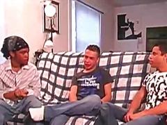 трио, гей, тийнейджъри, събличане