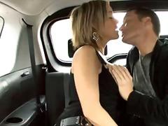 kereta, gadis, porno hardcore, pasangan, isap, hisap konek, rambut blonde