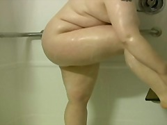 едри жени, играчка, душ