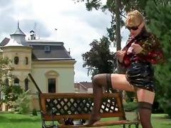жена гол мъж, фантазии, фетиш с крака, извратени, найлон