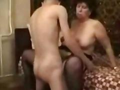 अधेड़ औरत, कामुक, वीर्य निकालना