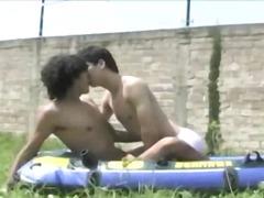 млади гейове, гей, свирки, сред природата