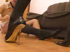 женска доминация, чорапогащи, високи токчета