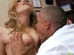Алексис Тексас, реалити, порно звезди, униформа