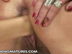 pičky, zarostlý, pikantnosti, úzké dírky, klitoris, babičky, masturbace, zralý ženský, fisting