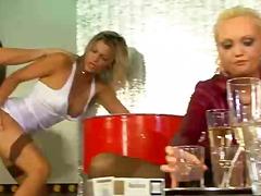 жена гол мъж, масов секс, оргия, суингъри, шибане