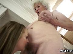 lesbo, kypsä, isoäiti, teini, karvainen, tyttö, ruskeaverikkö, vietelty, äitee