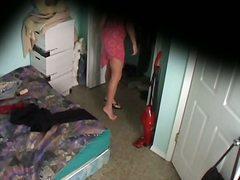 голи жени, легло, шпионски, скрит, облечени, бельо
