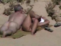 सामूहिक चुदाई, समुद्र तट, धमाल