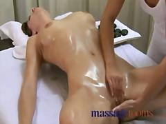 оргазъм, лесбийки, 69, масаж, целувка, играчка