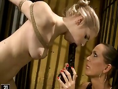 Манди Брайт, лесбийки, садо-мазо