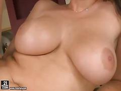 Алита Оушън, лесбийки, брюнетки