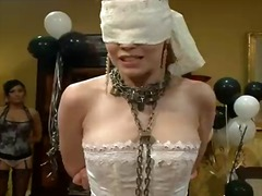 Джъстин Джоли, групов секс, пляскане, женска доминация