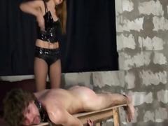 женска доминация, пляскане, латекс