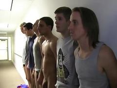 homosexuálové, kluci, orgie, grupáč, párty, na koleji, koleje