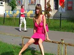 къса пола, рускини, воайор, публично, флашинг