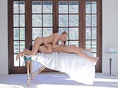 еротика, олио, масаж