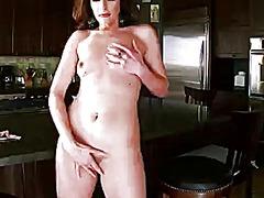 Саманта Райън, татуировка, мастурбация, бръснати