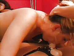 мастурбация, латекс, масов секс, лесбийки, играчка